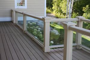 glass railing exterior